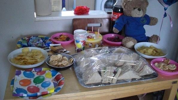 Feed tea party